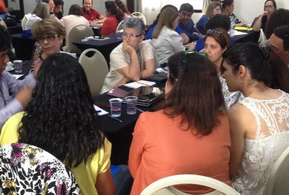 Formação com as especialistas da Espanha teve como foco bases teóricas de Comunidade de Aprendizagem