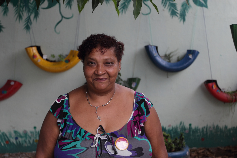Luciene Santos, 51, funcionária residente e voluntária