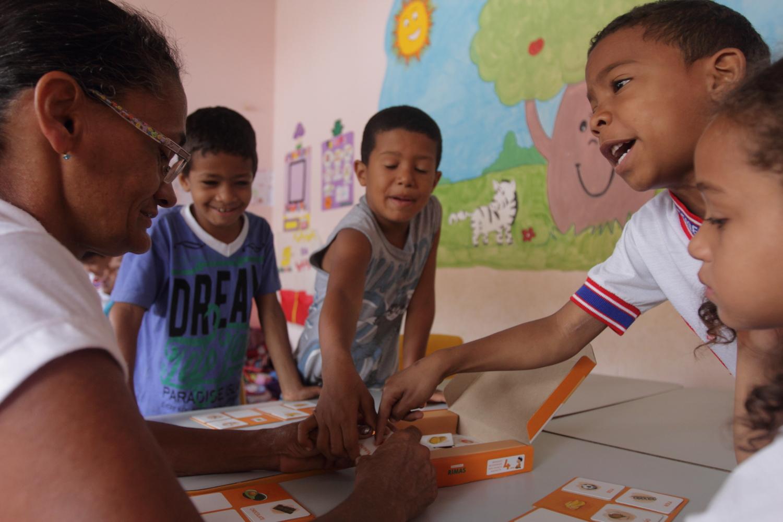 Nerivalda participa como voluntária nos Grupos Interativos da turma de 5 anos de período integral