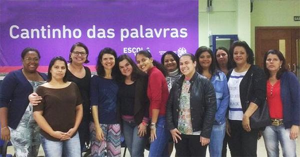 Grupo de mães de alunos, integrantes das Comissões Mistas