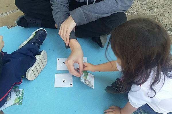 Grupo Interativo com crianças e mediação de estudantes voluntários, na EMEB Vereador Kiyoshi Tanaka