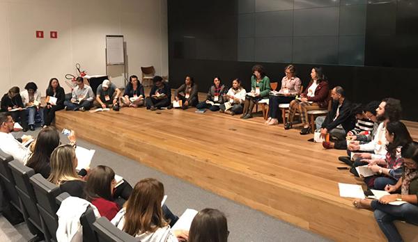 Educadores participam de Tertúlia Pedagógica Dialógica, na sede da Natura em São Paulo