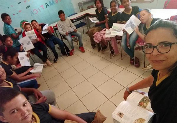 Tertúlia com professora Flávia e estudantes do 5º ano