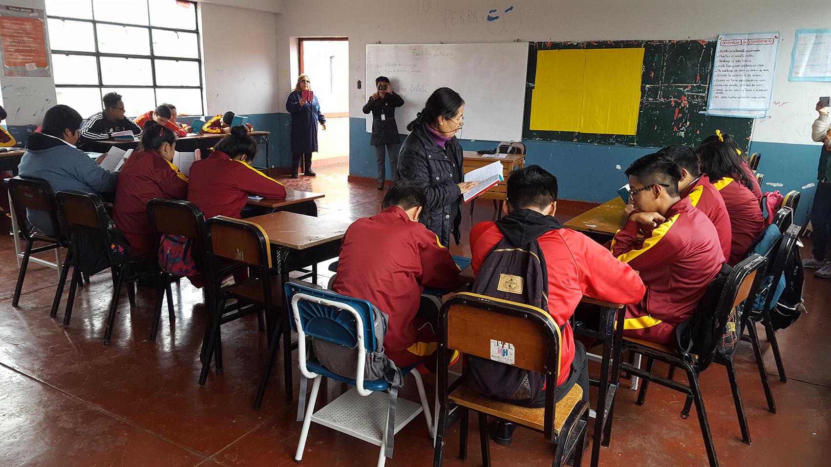 """Los estudiantes del nivel secundario realizan sus Tertulias Literarias de la obra """"Don Quijote"""""""